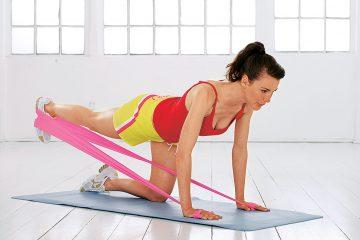 Упражнения с фитнес резинкой для ягодиц дома